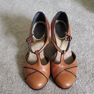 Brown wedges for fun and work